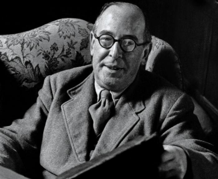 Did C.S. Lewis write a critic on Chaucer?