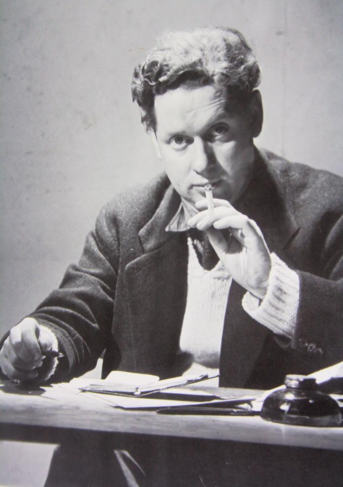 a biography of dylan thomas a british poet Dylan thomas once noted, late in his all-too-brief life, that a good poem is a contribution to reality throughout his literary career he repeatedly made that contribution, and not only with poetry.