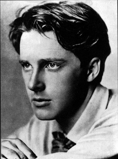 rupert brooke and wilfred owen pointlessness Free essay: the views of rupert brooke and wil my selected poems are 'the soldier' by rupert brooke and 'dulce et decorum est' by wilfred owen both war.