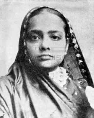 sarojini naidu in marathi language